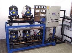 Hladilni agregat in stikalna omarica  Lastna proizvodnja in ekskluzivna prodaja kompresorjev - Frigopol Avstrija